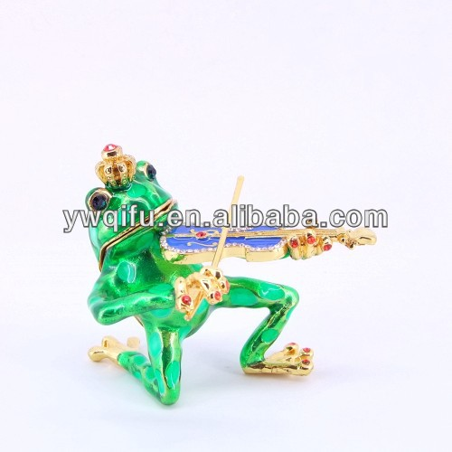 Yiwu manufacturer pewter art and craft frog playing violin QF3561