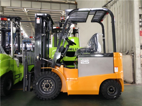 SNSC 1.5T Electric Forklift