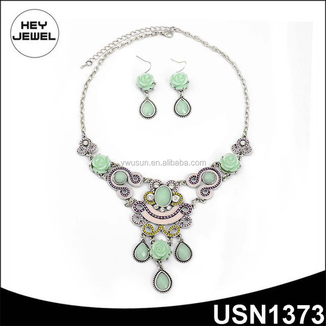 green resin beads crystal plastic flower necklace