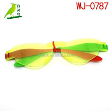 Specializing in the production of children's play small toys plastic toys benzene glasses party gifts