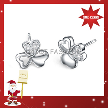 Fashion Magnet Earring For Christmas Gift,Sliver Clover Shape earring womens Fashion With Heart Shape