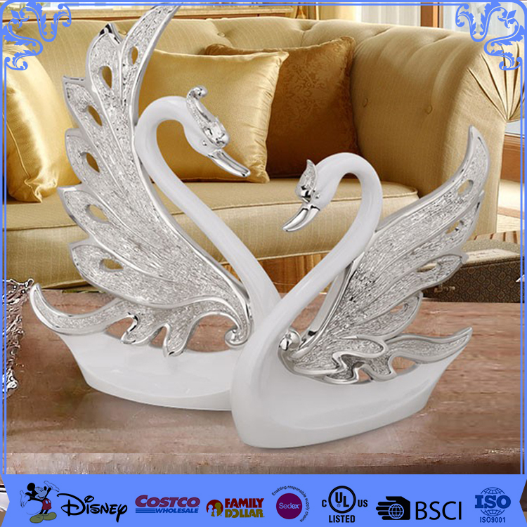 Promotion Gifts Desk Decoration Resin Swan
