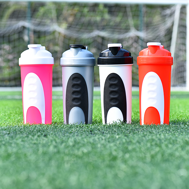 600ml Personalized Proteins Shaker Supplier,Plastic Whey Shakers With Decoration Sleeve,Logo Printing