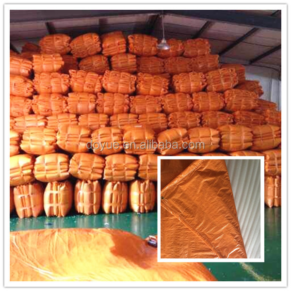 Insulated plastic sheet