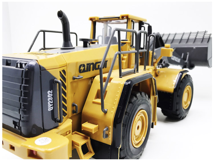 QYTOYS 1:28 6CH RC plastic construction digger rc truck toy with sounds REVELL OEM order