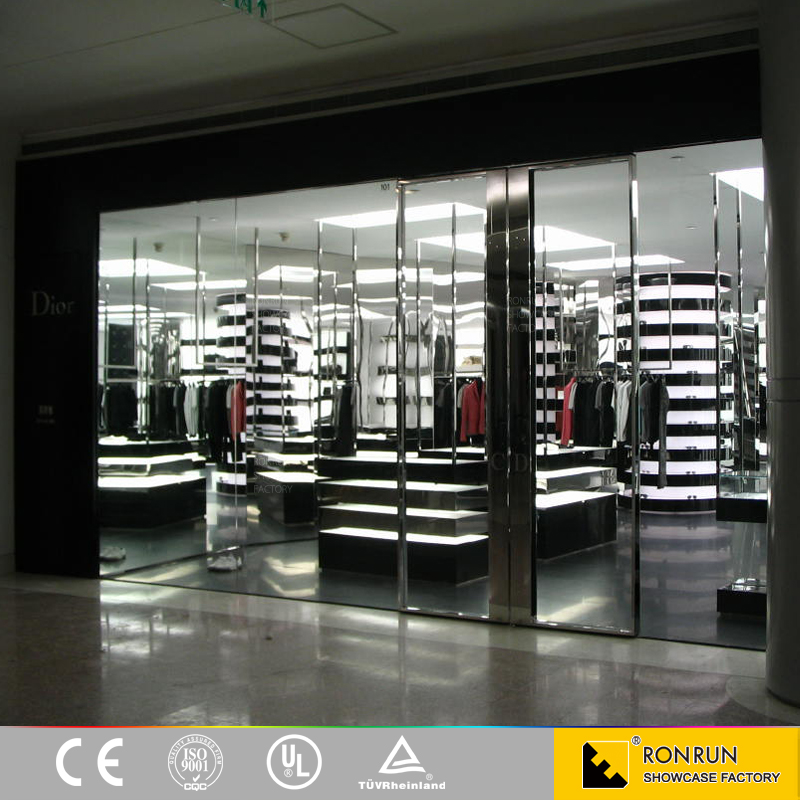 clothing store showcase/clothing store shelves/clothing store decoration