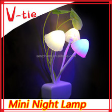 Portable 360 degree led color changing plug in night light with magic mushroom shape