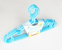 HQ8307-1 39cm virgin PP material color plastic swivel clothes hanger