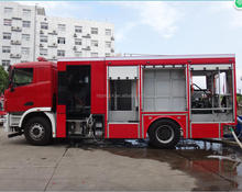 2017 new designed compressed foam fire truck size of fire truck