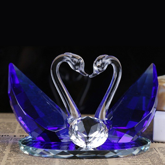 Hot Selling Lovely Crystal Kissing Swan for Wedding Favors and Decoration