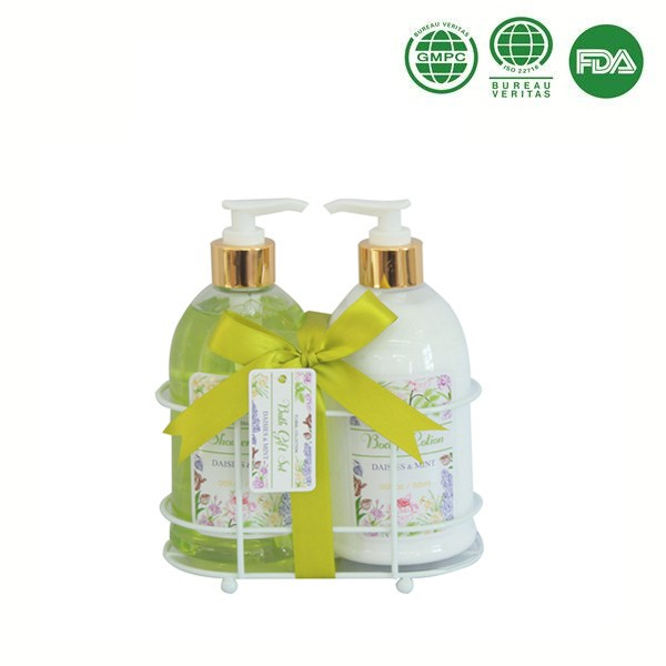 Skin care gifts body scrub,body lotion gift set packaging