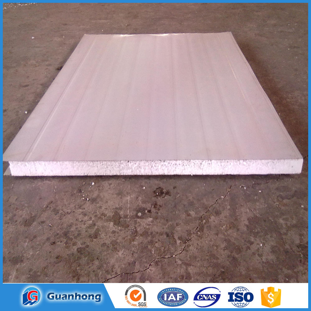 Smooth exterior hidden joint warehouse roof insulation
