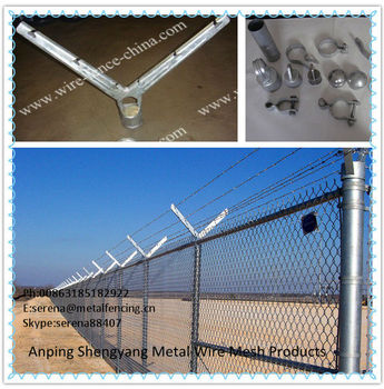 China galvanized chain link fence with barbed wire