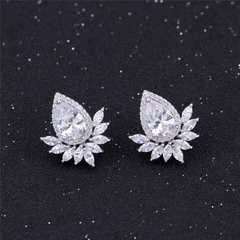 HOT SALES 2017 NEW DESIGN CRYSTAL ZIRCON STUD EARRING FOR WOMEN