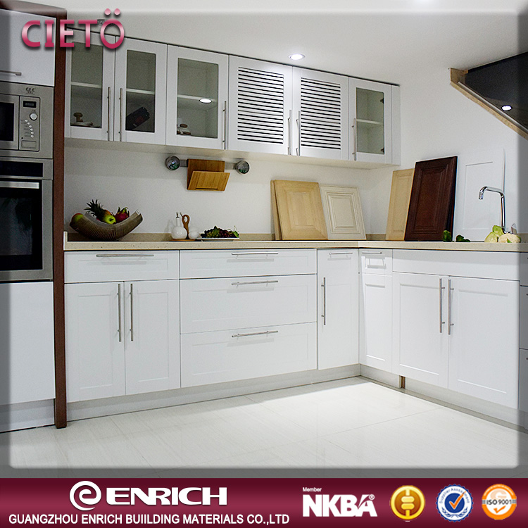 China factory manufacture modern style hot sale modular small kitchen design wood kitchen cabinet for global projects