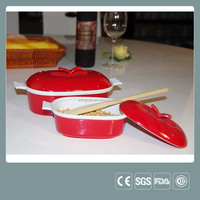 Ceramic casserole baking dish with lid