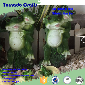 2017 factory custom-made high quality resin tornado statue of the green frog