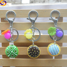 2018 Hot sale 3d polyresin food cake snap ring key chain