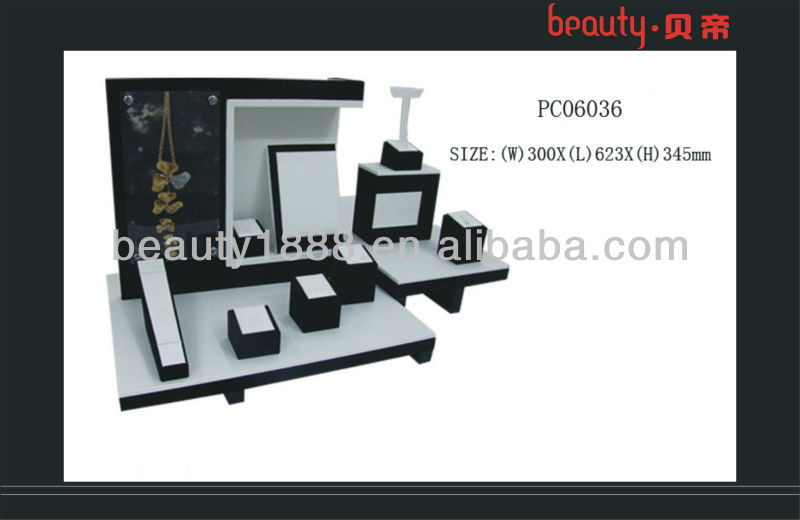 Fashion wholesale custom white PU black lacquer wooden jewelry display