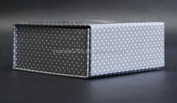 small dots cardboard foldable magnetic paper gift box