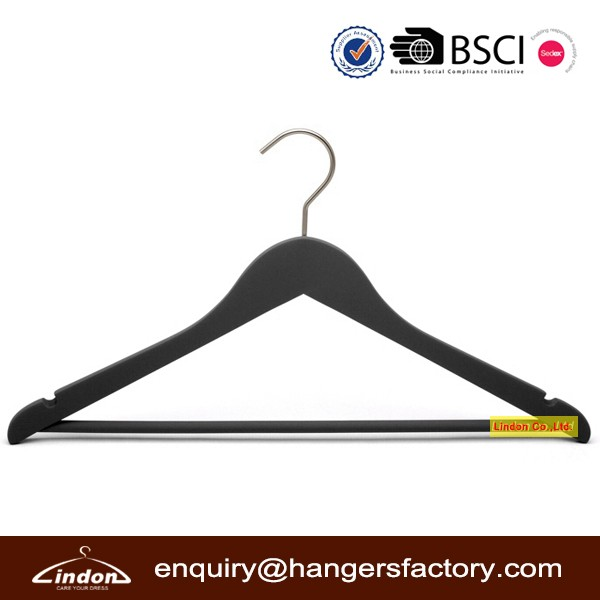 Wood Material Black Rubber Coated Suit Hangers with Non-Slip Pant Bar and Notches