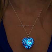 Popular Glow In The Dark Necklace Heart Pendant Necklace Meaningful Pendant Necklace