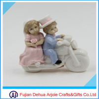 DEHUA Factory Products Wedding Ceramic Figurine