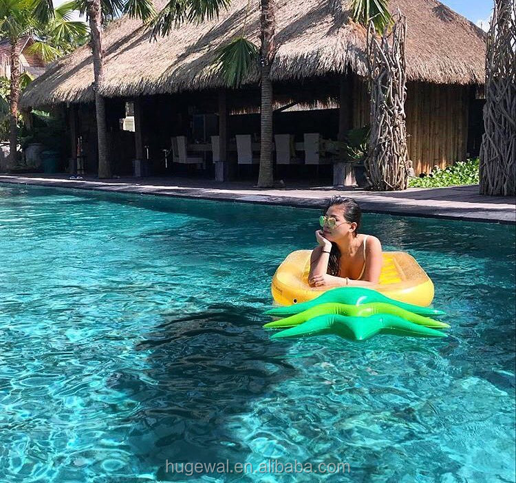 Fashion large inflatable water floats pineapple float