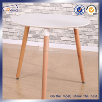 Simple Round Solid Wood Legs Dining Table Indoor Used
