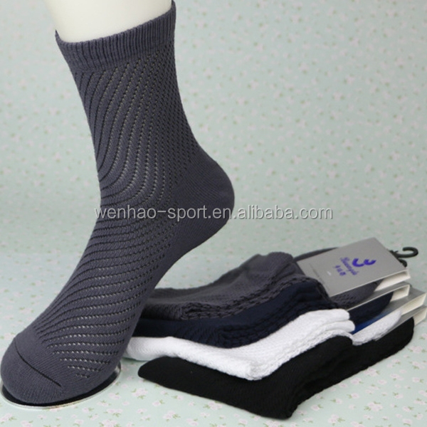 wholesale costom Men's Lightweight Sock white black grey crew mesh sock comfort socks