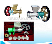 stainless steel food bulking machine/flour puffing food machine/corn snake extrusion machine 86-15838061675