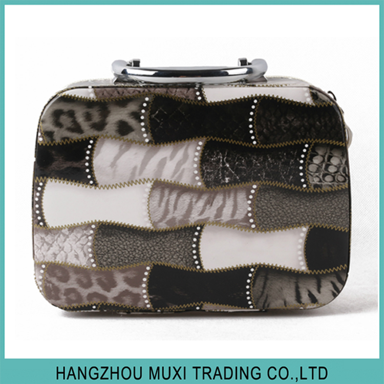 Wholesale fashion beauty cosmetic handbag hard PU leather makeup case with various floral print
