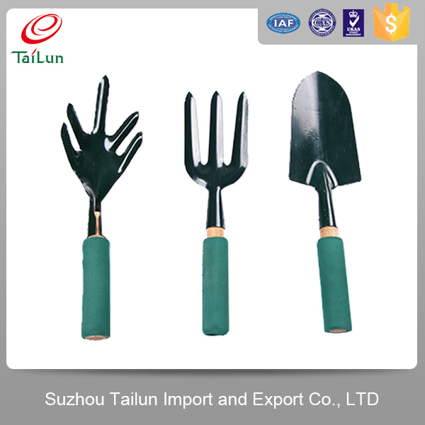 Lady garden tool set with plastic hand buy garden tool for Garden tool set for women