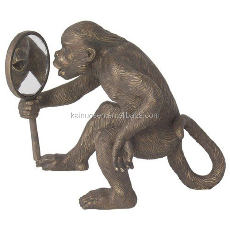 Customized Handmade Color Painted Monkey with Mirror Statue