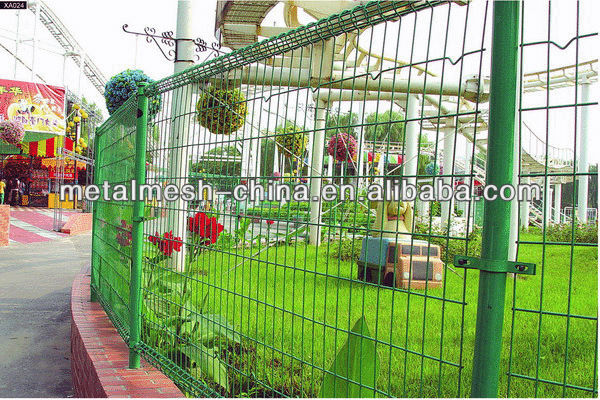 garden fence/powder coating uptown wire mesh fence /mide in china