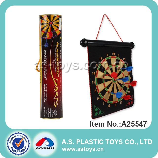 Magnetic dartboard/magnetic darts game with 6 darts