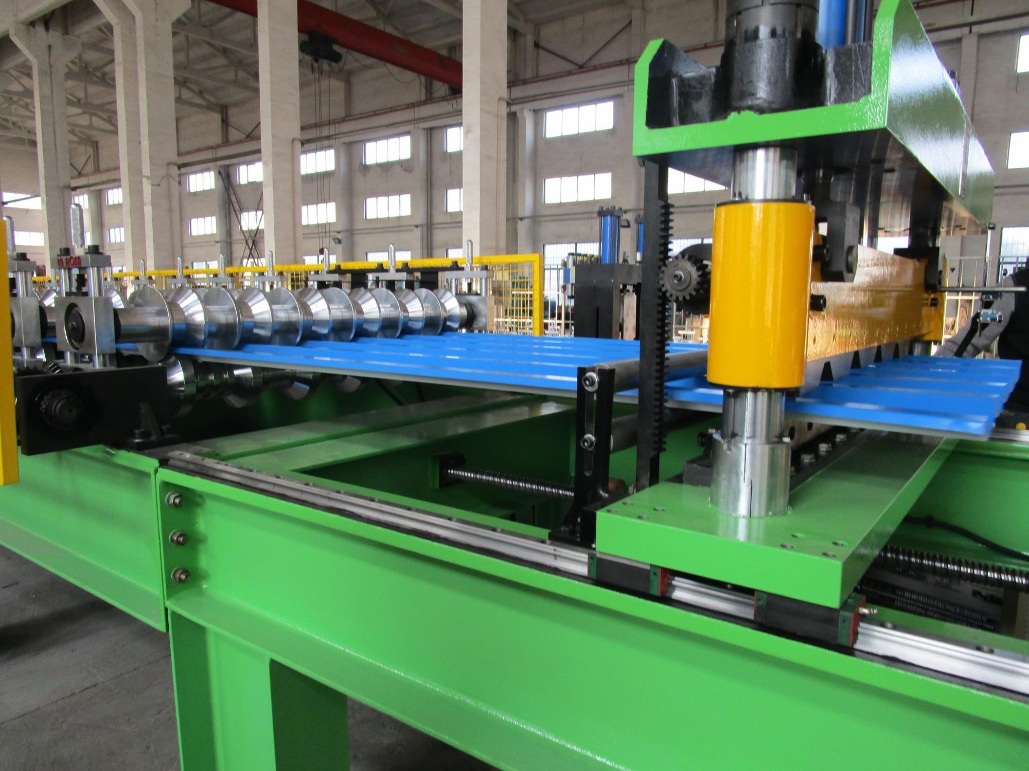 High speed metal roof sheet Roll Forming Machine galvanized roofing sheet roll forming machine