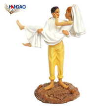 New product cheap resin wedding OEM gift statue cake decorations bride and groom figurine