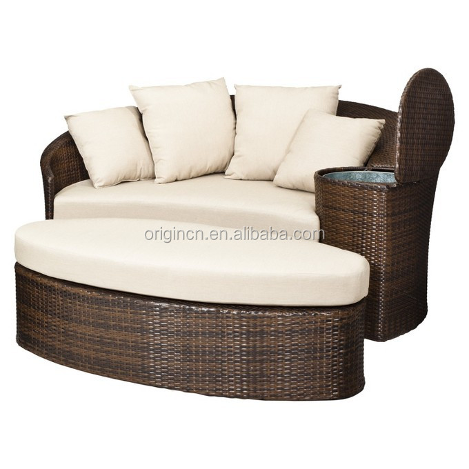 Patio loveseat and ottoman sectional round sun bed with for Divanetti rattan