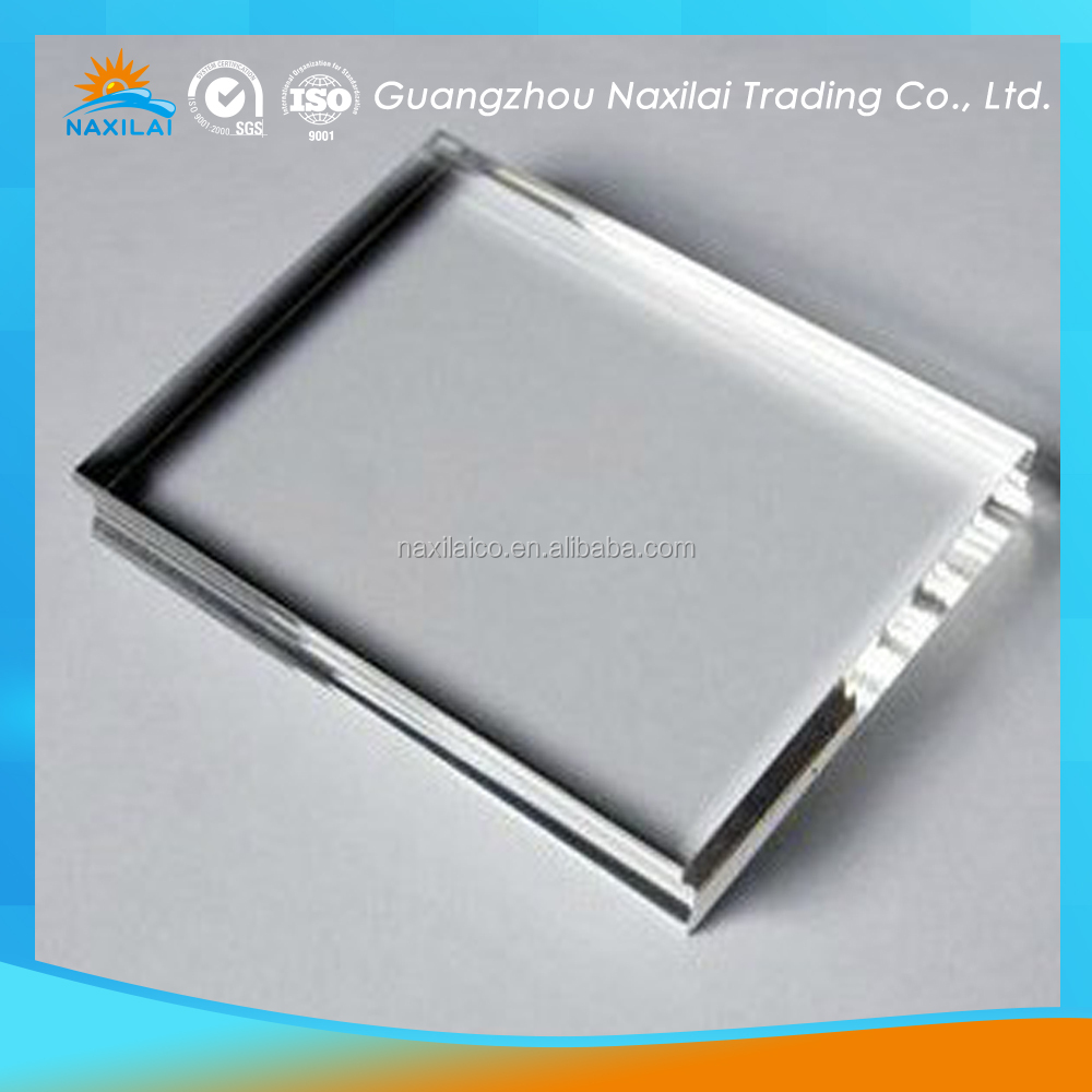 thin transparent perspex sheet