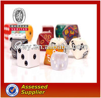 2013New best resin domino custom promotion travel dice game set and cube