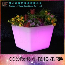 Hot sale high tech garden Led Illuminate Glowing Flower Pot outdoor led pot lights Led Plastic Flower Vase with remote control