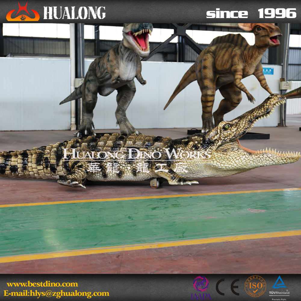 Amusement equipment life size walking animal model of crocodile