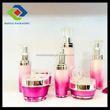 Fashionable plastic 15 ml 30 ml spray bottle with rose for toner