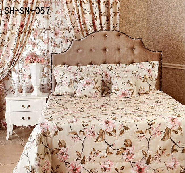 Beautiful Flower Bedspread and Matching Curtains