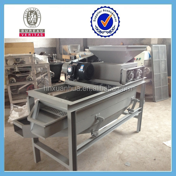 Best selling efficiency Almond sheller/almond cracking machine