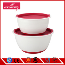3 pcs light weight plastic mixing/salad Bowls with lids