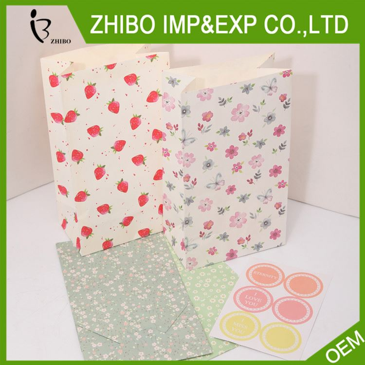Newest selling OEM quality custom gift kraft paper bag in many style
