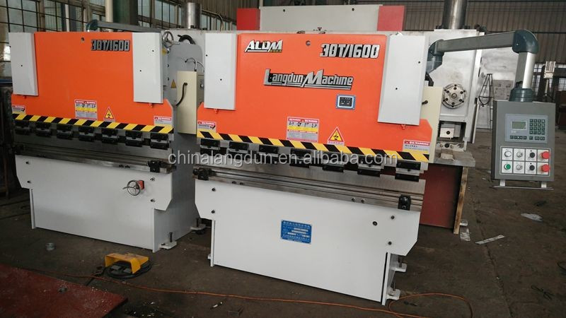 WC67K series cnc hydraulic press brake for sale in UK WC67K-30T/1600