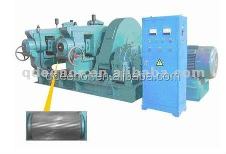 Double-roller-styled truck tyre crusher/tyre reconditioning machine
